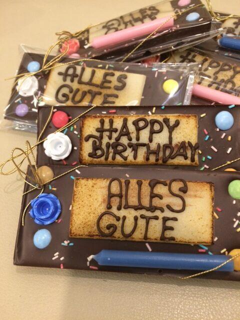 Geburtstags-Schokolade mit Kerze